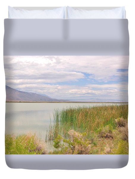 Duvet Cover featuring the photograph Shoreline by Marilyn Diaz
