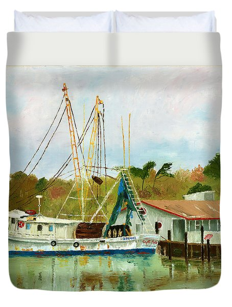 Shrimp Boat At Dock Duvet Cover
