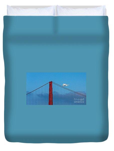 Shuttle Endeavour At The Golden Gate Duvet Cover