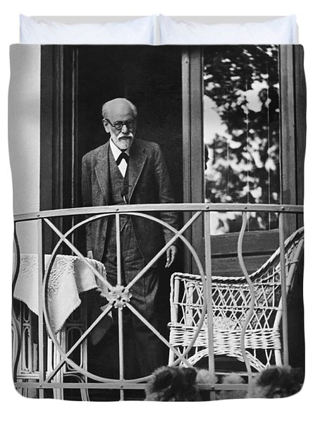Sigmund Freud With His Chows Duvet Cover