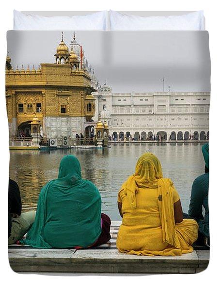 Sikh Family Sitting At The Edge Of Pool Duvet Cover