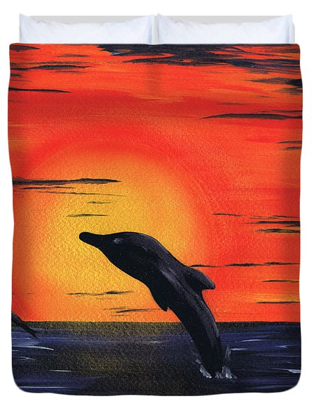 Duvet Cover featuring the painting Silent Sun. by Kenneth Clarke