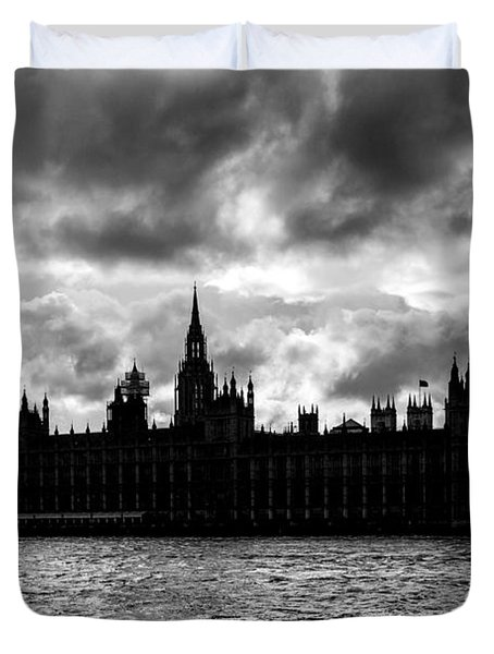 Silhouette Of  Palace Of Westminster And The Big Ben Duvet Cover