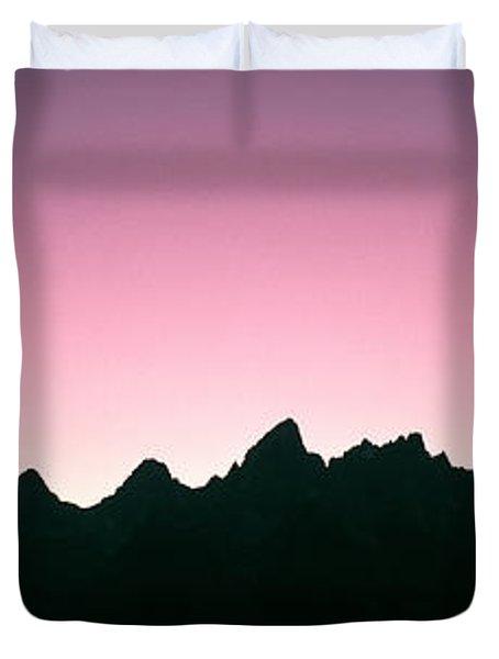 Silhouette Of The Teton Range Duvet Cover