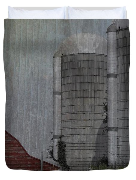 Silo And Barn Duvet Cover by Photographic Arts And Design Studio