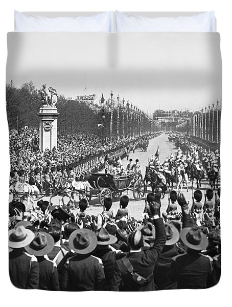 Silver Jubilee Procession Duvet Cover