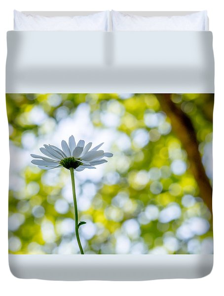 Duvet Cover featuring the photograph Singled Out by Aaron Aldrich