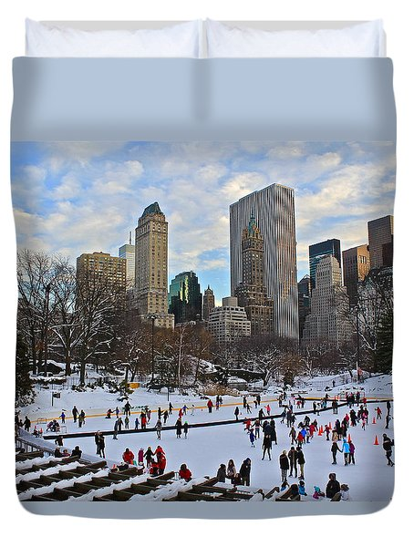 Skating In Central Park Duvet Cover