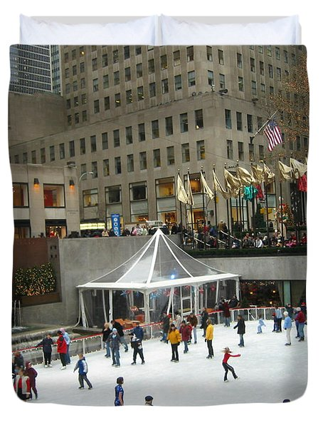 Duvet Cover featuring the photograph Skating In Rockefeller Center by Judith Morris