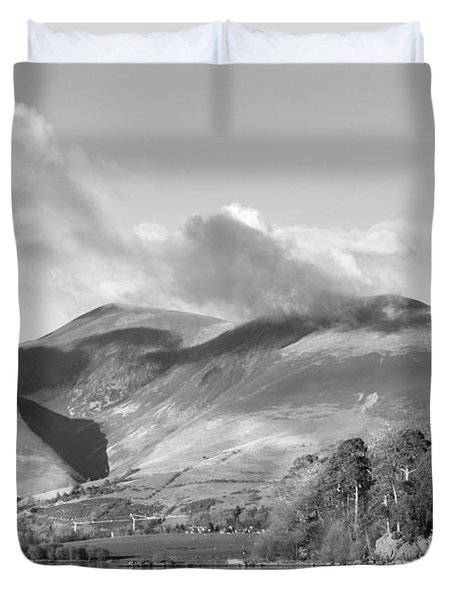 Skiddaw And Friars Crag Mountainscape Duvet Cover