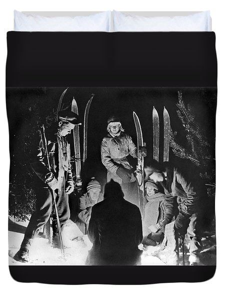 Skiing Party Camps In Siberia Duvet Cover by Underwood Archives