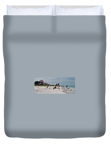 Black Skimmers At Don Cesar Duvet Cover