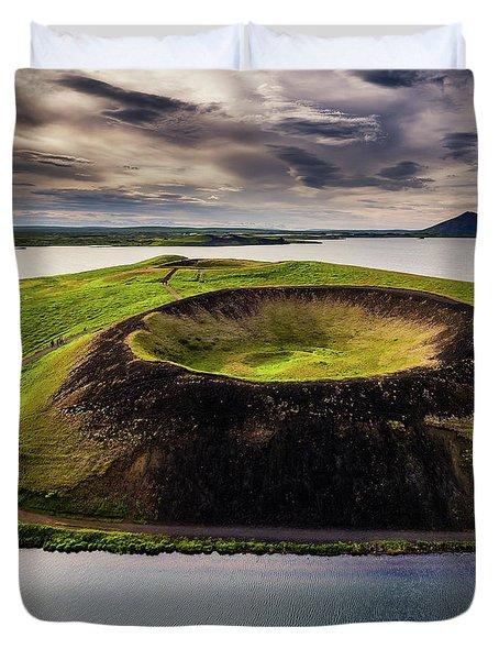 Skutustadagigar Pseudo Craters, Lake Duvet Cover