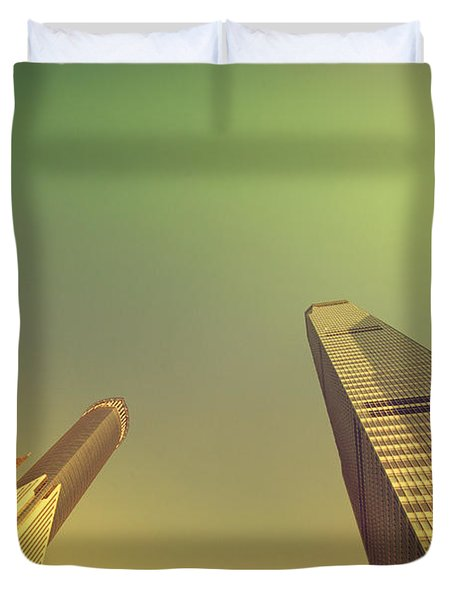 Duvet Cover featuring the photograph Skyscraper by Yew Kwang
