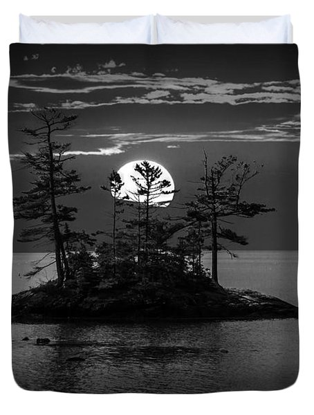 Small Island At Sunset In Black And White Duvet Cover