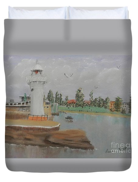 Small Lighthouse At Wollongong Harbour Duvet Cover