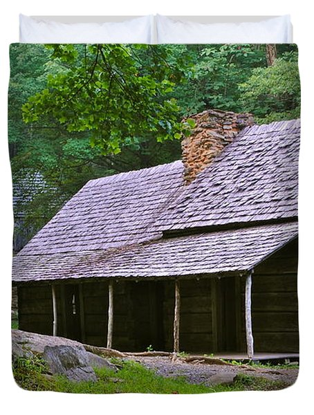 Smoky Mountain Cabins Duvet Cover by Frozen in Time Fine Art Photography