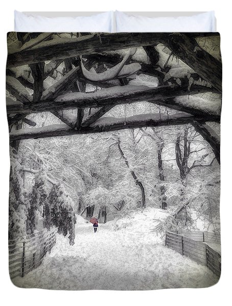 Snow Scene In Central Park Duvet Cover