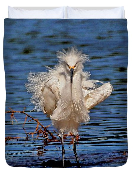Duvet Cover featuring the photograph Snowy Egret With Yellow Feet by Tom Janca