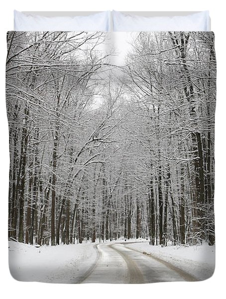 Snowy Road In Oak Openings 7058 Duvet Cover by Jack Schultz