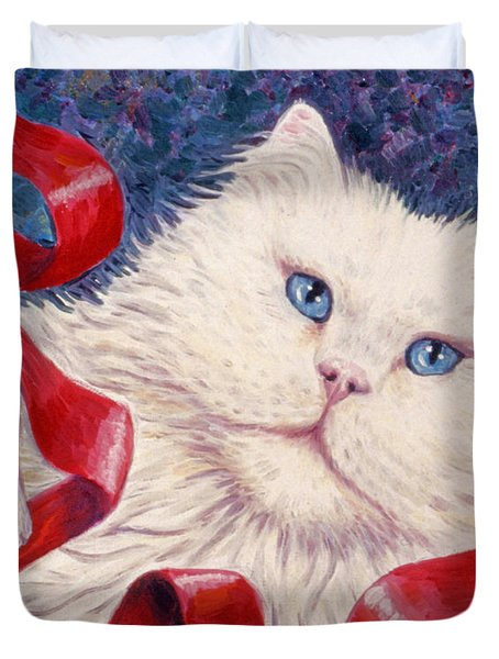 Snowy The Cat Duvet Cover by Linda Mears