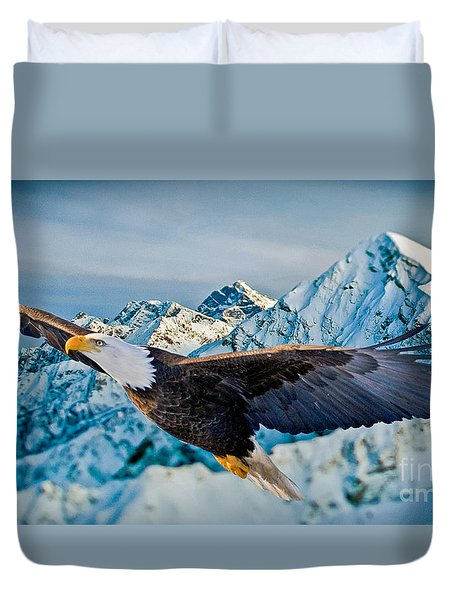 Soaring Bald Eagle Duvet Cover by Gary Keesler