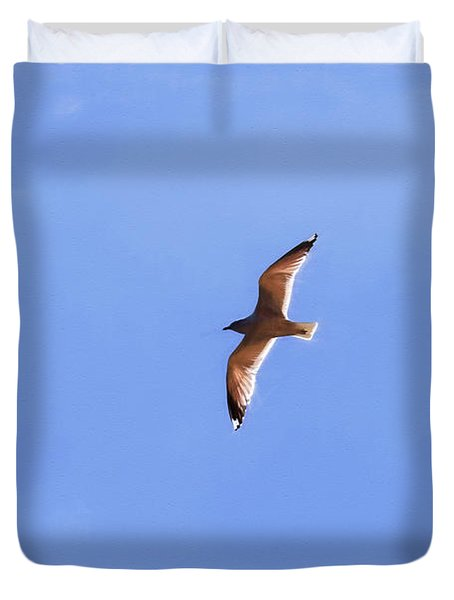 Duvet Cover featuring the photograph Soaring Gull Imp- Flying White Bird by Leif Sohlman