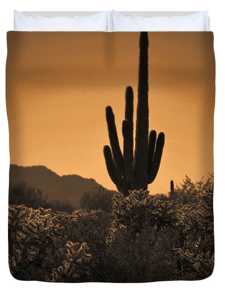Solitary Saguaro Duvet Cover