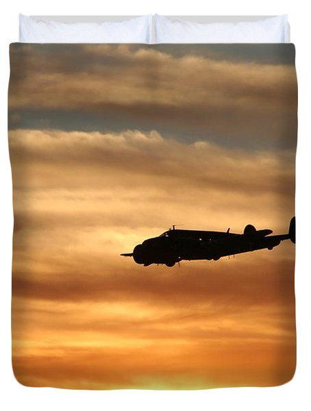 Duvet Cover featuring the photograph Solo by David S Reynolds