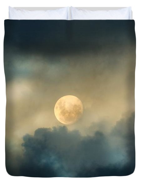 Song To The Moon Duvet Cover