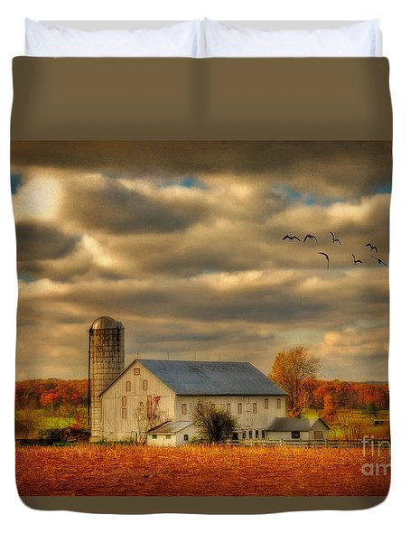 South For The Winter Duvet Cover