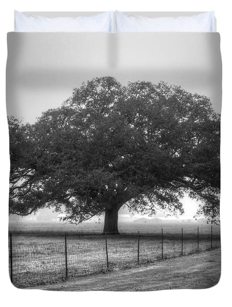 Spanish Oak Black And White Duvet Cover