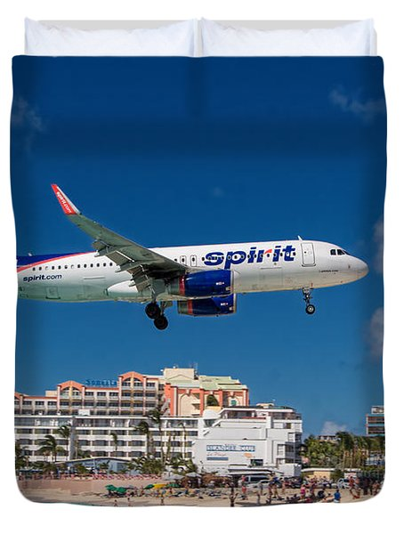 Spirit Airlines Low Approach To St. Maarten Duvet Cover