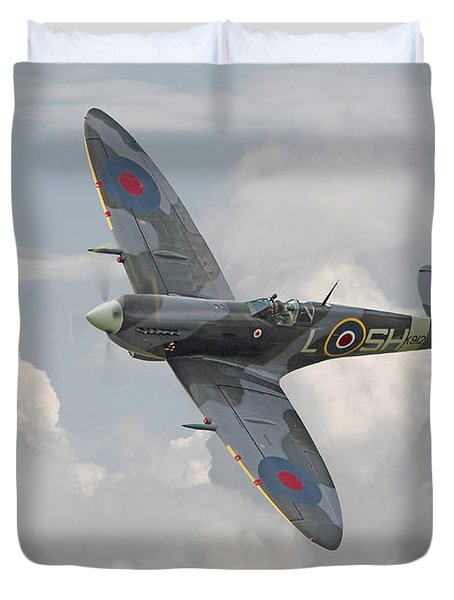 Spitfire - Elegant Icon Duvet Cover by Pat Speirs