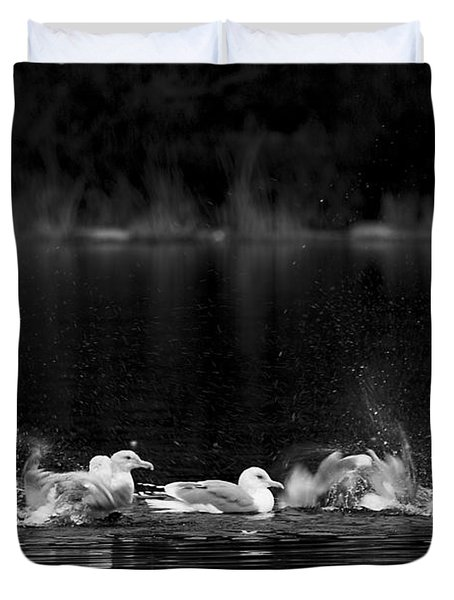 Duvet Cover featuring the photograph Splashing Seagulls by Yulia Kazansky