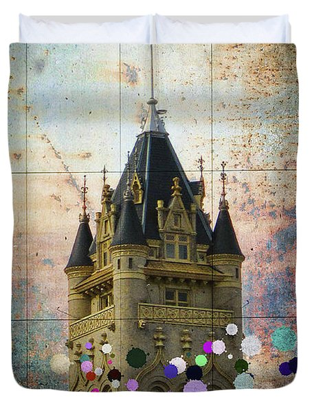 Splattered County Courthouse Duvet Cover by Daniel Hagerman