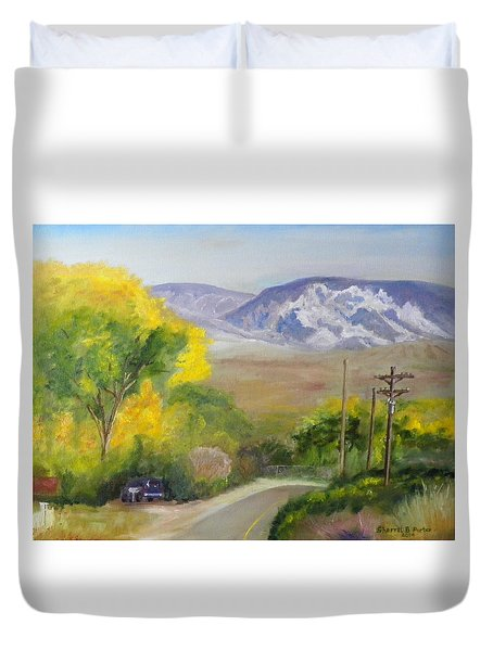 Split Mountain On Golf Course Road Duvet Cover