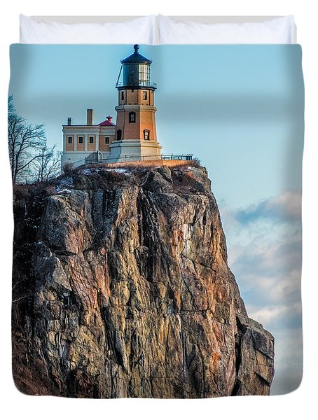 Split Rock Lighthouse In Winter Duvet Cover