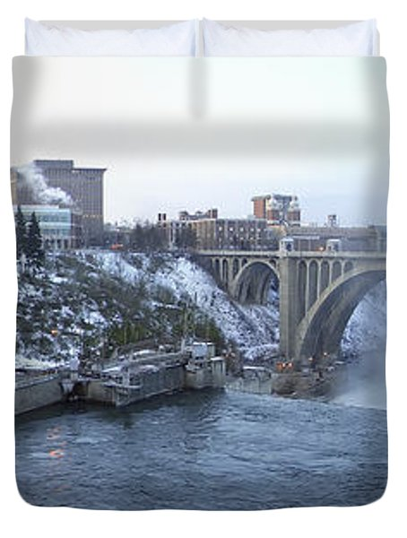 Spokane City Skyline On A Frigid Morning Duvet Cover by Daniel Hagerman