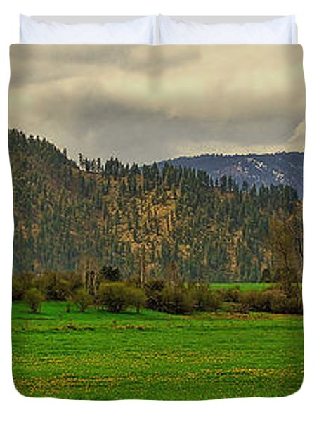 Duvet Cover featuring the photograph Spring Dandylions by Sam Rosen