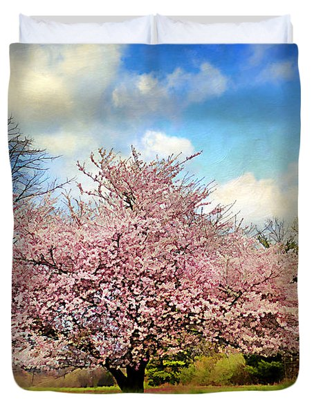Spring In Kentucky Duvet Cover by Darren Fisher