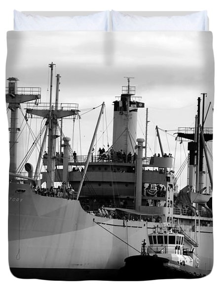 Ss American Victory Duvet Cover by David Lee Thompson