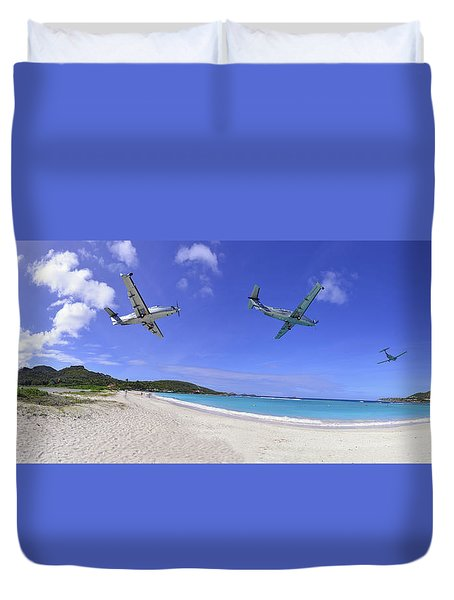 St Barts Takeoff Pano Duvet Cover