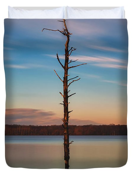 Stand Alone 16x9 Crop Duvet Cover