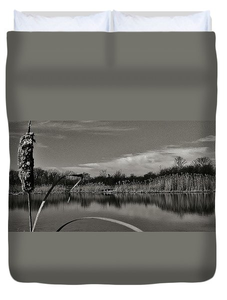Duvet Cover featuring the photograph Stand Out... Southgate Nature by Daniel Thompson