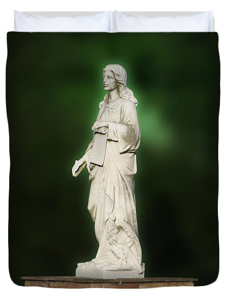 Statue 07 Duvet Cover by Thomas Woolworth