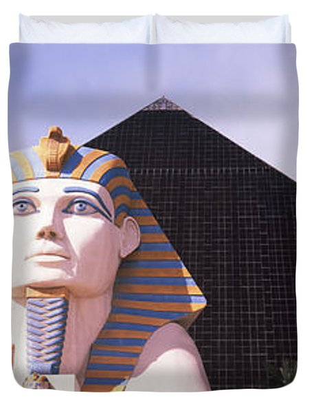 Statue In Front Of A Hotel, Luxor Las Duvet Cover