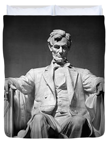 Statue Of Abraham Lincoln Duvet Cover by Panoramic Images