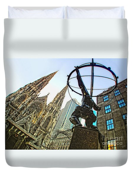 Statue Of Atlas Facing St.patrick's Cathedral Duvet Cover by Nishanth Gopinathan