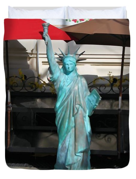 Statue Of Liberty At The Market Duvet Cover by Dan Sproul